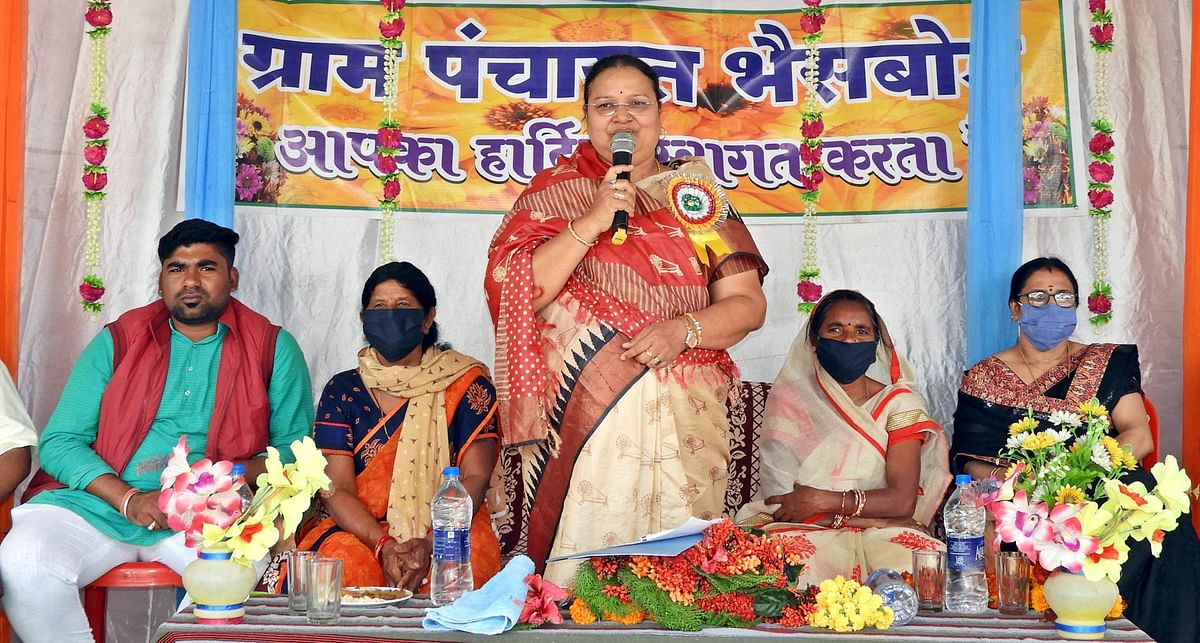 Raipur: Women and Child Development Minister Smt. Bhendia performed Bhoomi Pujan and inauguration of various development works