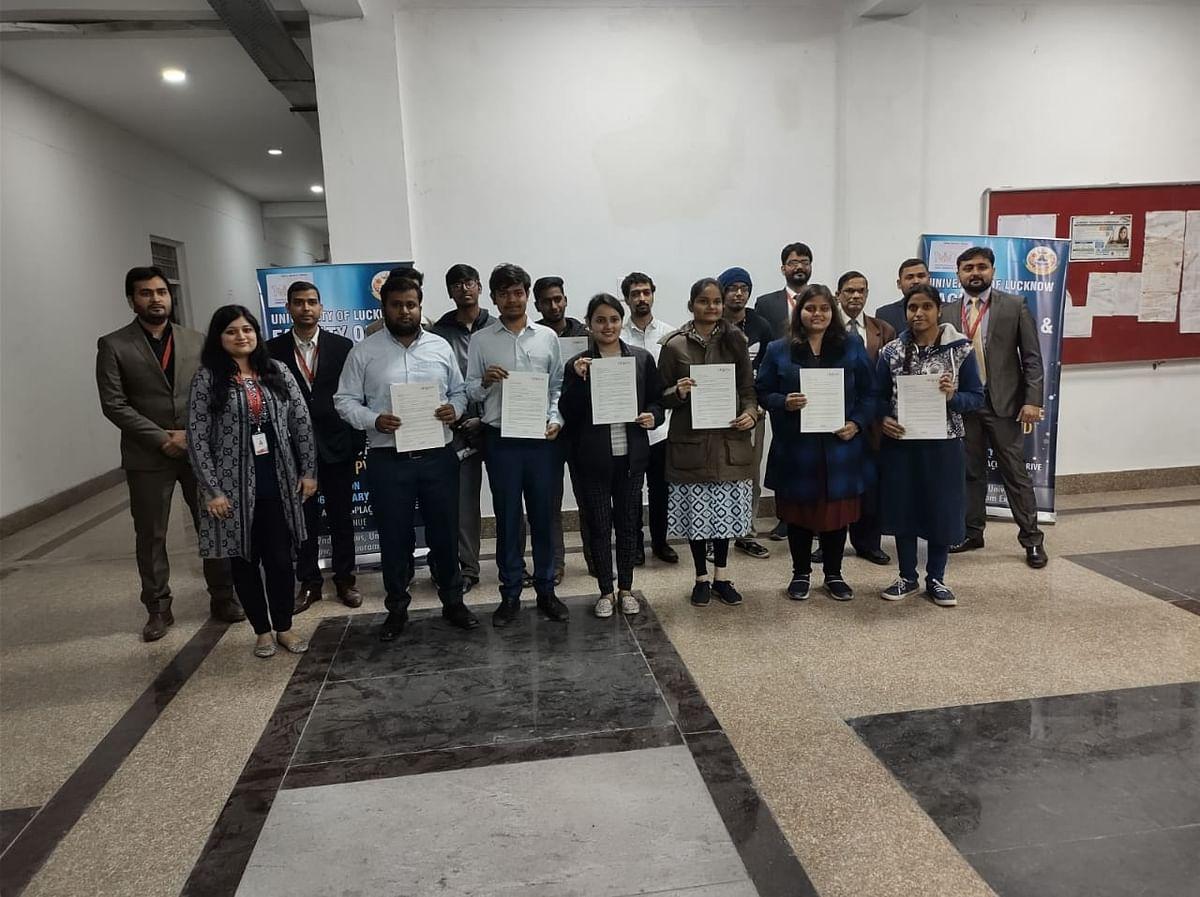 लखनऊ विवि के 13 विद्यार्थियों को हुआ कैंपस सेलेक्शन