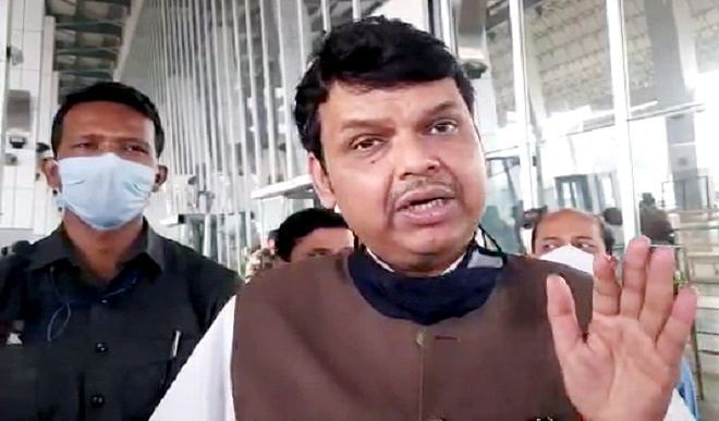 फडणवीस ने महाराष्ट्र सरकार पर कसा तंज, बोले- सुरक्षा घटाने के बजाए भंडारा आग जैसे मामलों की ओर ध्यान लगाए