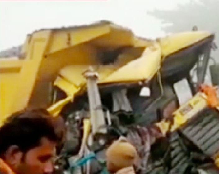 अकबरपुर हाइवे पर ट्रक और डंपर की भिड़न्त में मौसरे भाईयों की मौत