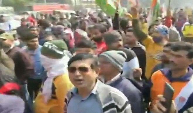 सिंघु बॉर्डर खाली करने को लेकर प्रदर्शन, स्थानीय लोगों और प्रदर्शनकारियों के बीच झड़प