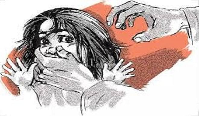 Coaching operator molests seven-year-old student in Bhopal, people beat up fiercely