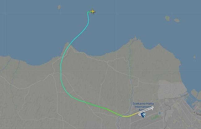 जकार्ता से उड़ान भरने के 4 मिनट के भीतर विमान लापता