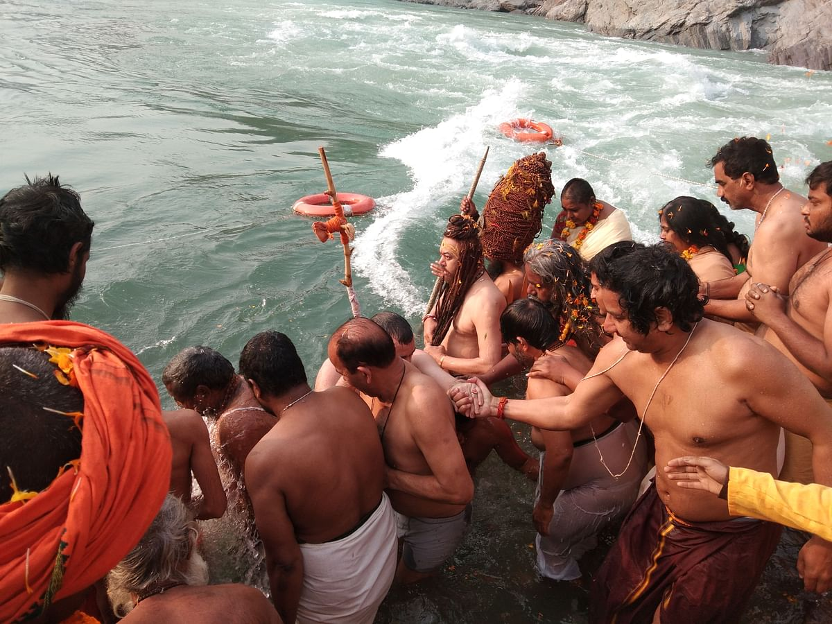 The sages took a dip at the confluence of Devprayag
