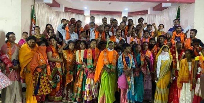 200 CPI and Bajrang Dal activists enter BJP