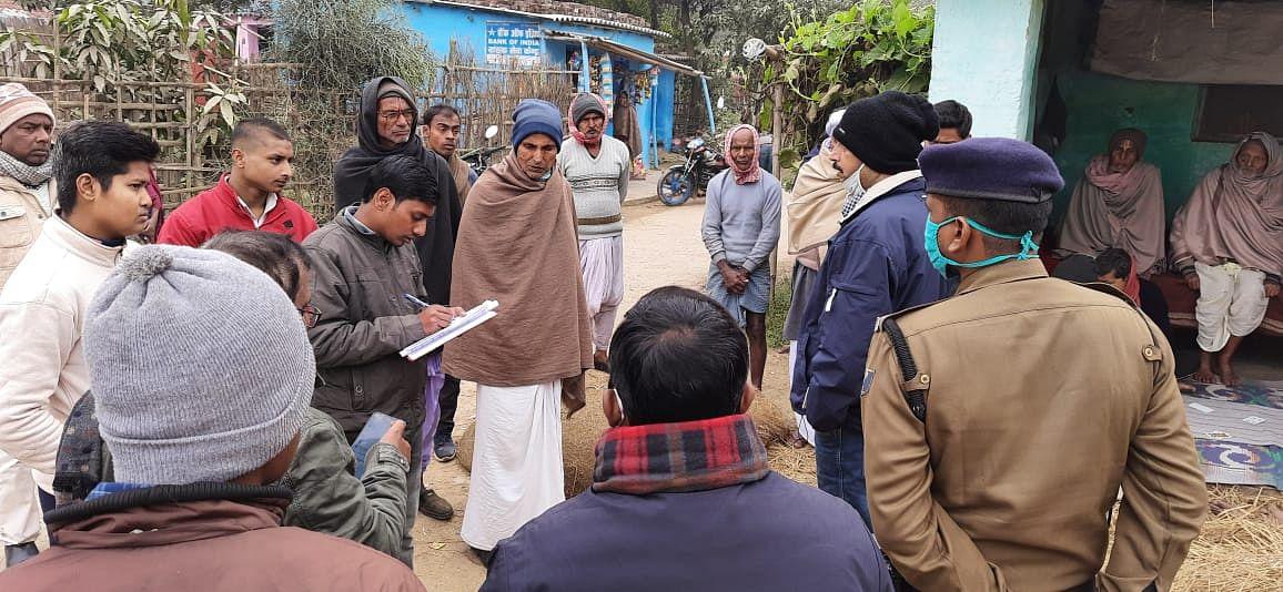एसडीओ ने रमौली पंचयात में चल रहे नल जल योजना एवं प्रधानमंत्री आवास योजना का लिया जायजा