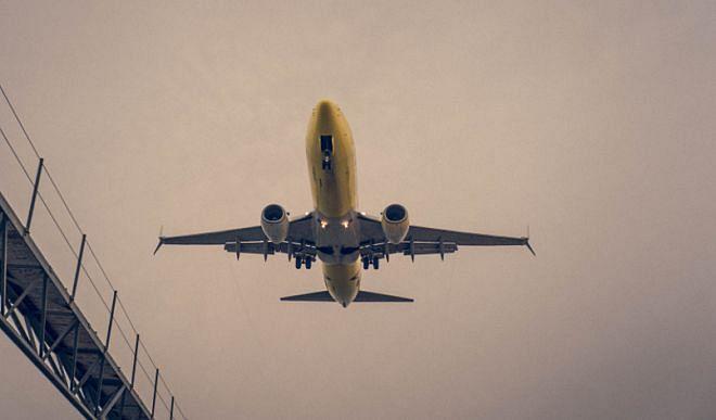 इंडोनेशियाई विमान का उड़ान भरने के बाद संपर्क टूटा, 62 यात्री हैं सवार
