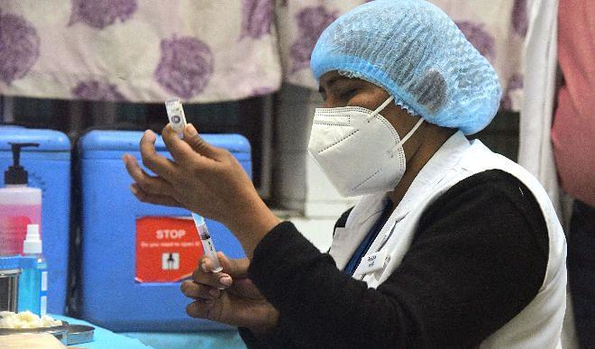 मुख्यमंत्री योगी का ऐलान, उत्तर प्रदेश में मकर संक्राति तक कोरोना का टीका उपलब्ध करवाएगी सरकार
