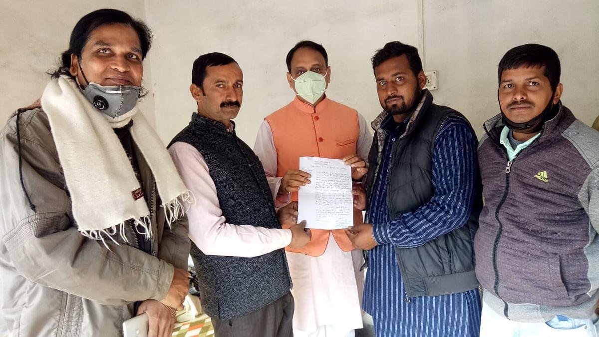 मधुरापुर दियारा में बिजली पहुंचाने के लिए राज्यसभा सदस्य से मिला प्रतिनिधिमंडल
