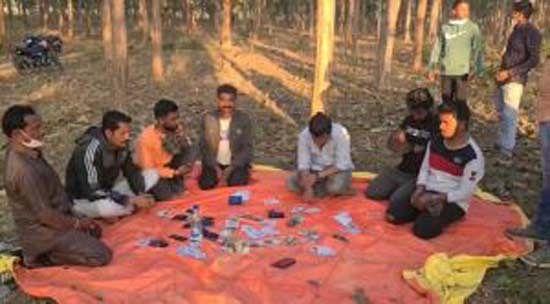 जगदलपुर : आसना के जंगल से 07 जुआरी गिरफ्तार