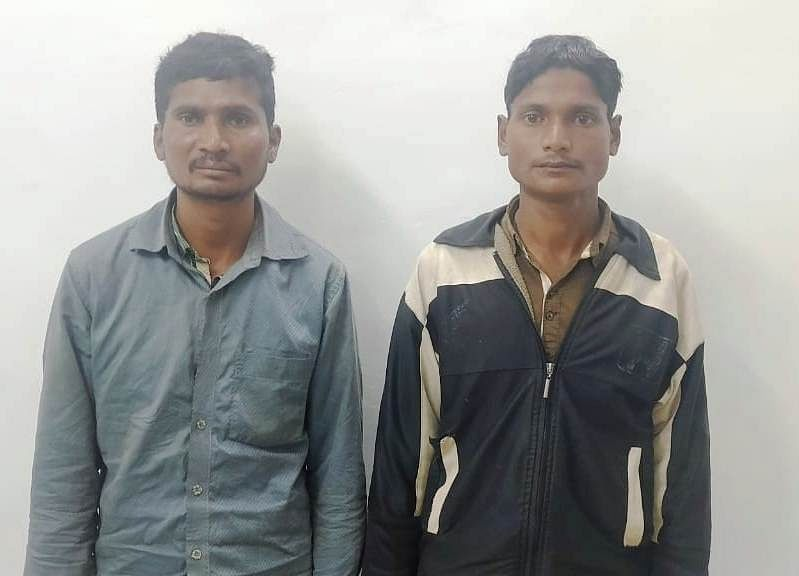 sukma-two-maoists-arrested-with-five-kg-tiffin-bomb-and-explosive-material