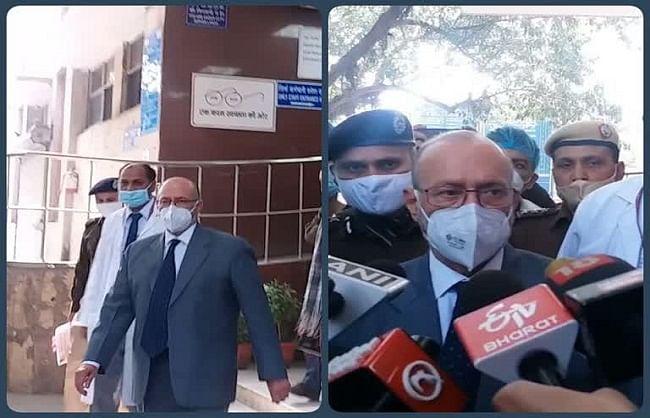 दिल्ली: उपराज्यपाल बैजल ने अस्पताल पहुंचकर जाना घायल पुलिसकर्मियों का हाल