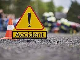 वाराणसी : रोडवेज बस खड़े ट्रक से टकराई, 12 से अधिक यात्री घायल