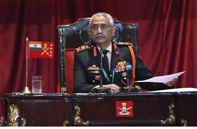 चीन-पाकिस्तान से साझा खतरे के संकेत, भारतीय सेना हर चुनौती के लिए तैयारः नरवणे