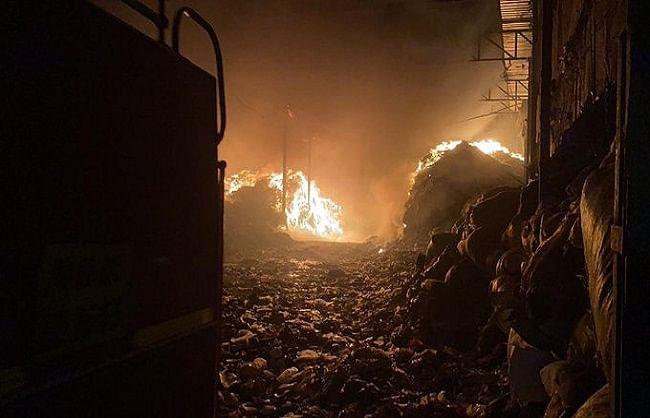 पुणेः हडपसर इलाके के कचरा प्रसंस्करण संयंत्र में लगी आग, दमकल की 11 गाड़ियां मौके पर