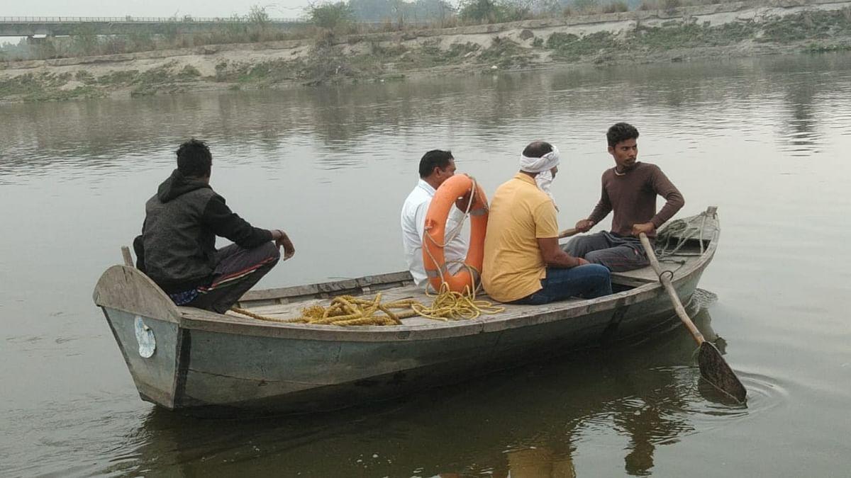 रायबरेली : दोस्तों के साथ नदी में नहाने गया किशोर डूबा, परिजनों ने हाईवे किया जाम