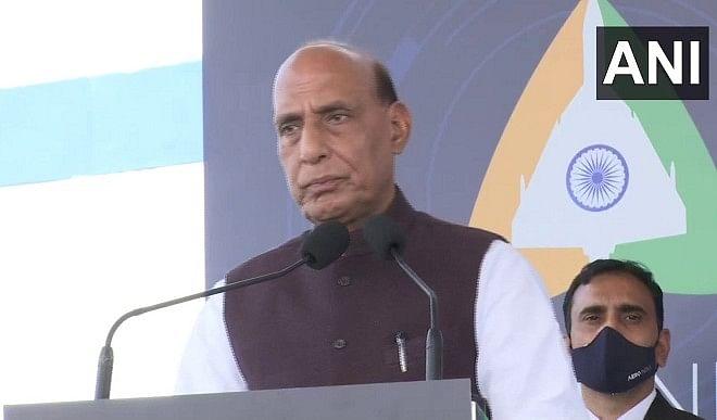 बंधन समारोह में बोले राजनाथ सिंह, डिफेंस एक्सपोर्ट बढ़कर 9,000 करोड़ रुपए का हुआ