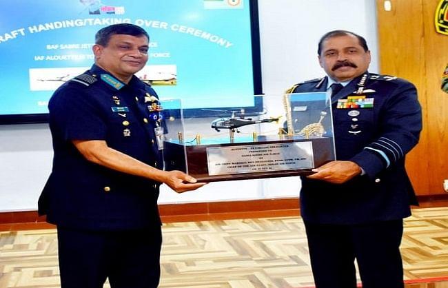 भारत-बांग्लादेश ने एक दूसरे को गिफ्ट में दिए 'विंटेज विमान'