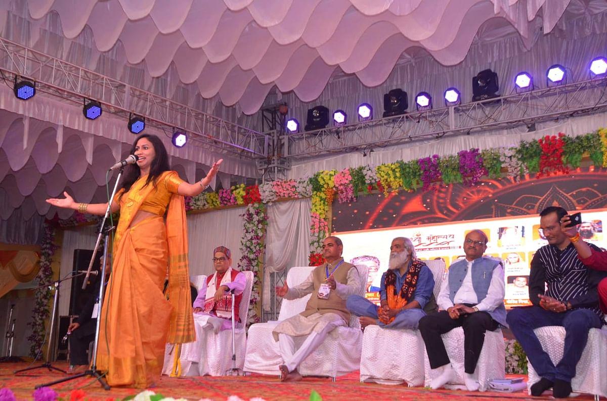 अयोध्या महोत्सव में हो रहा लोकसंस्कृति व परम्पराओं का दर्शन:लक्ष्मीकांत वाजपेयी