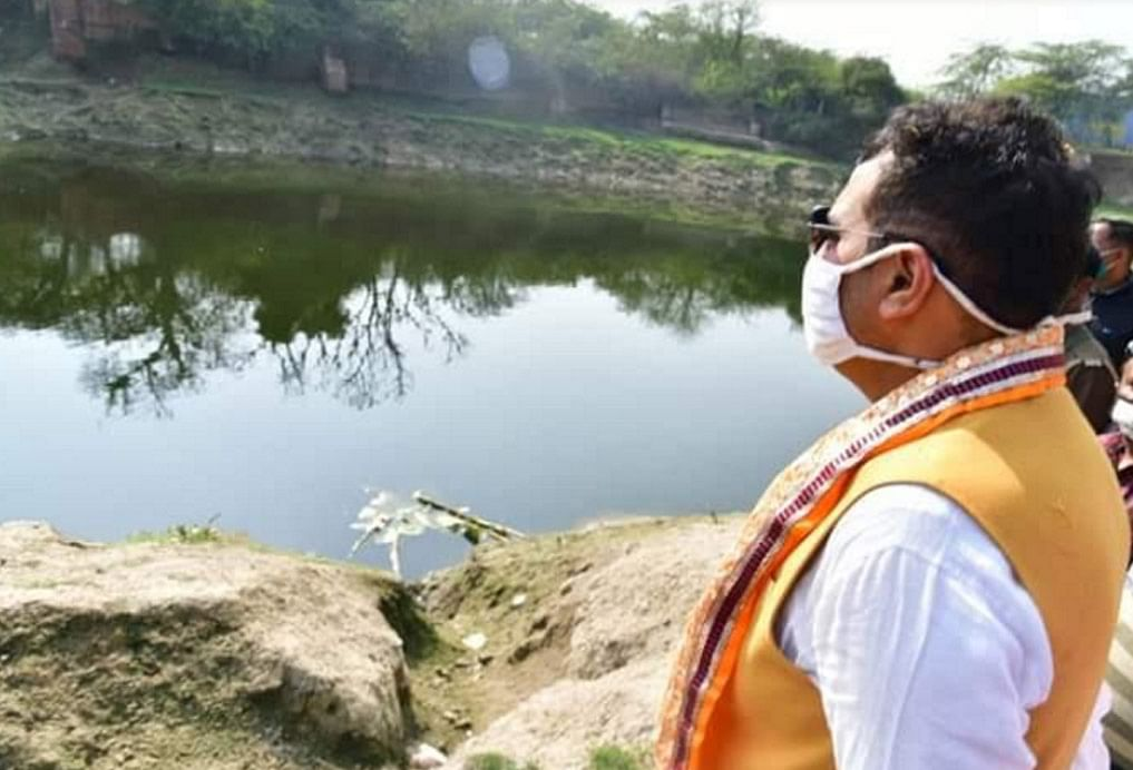 गिरिराज पर्वत की तलहटी सहित 350 पवित्र कुंडों का पौराणिक स्वरूप लौटाने का संकल्प हो रहा पूराः पं. श्रीकान्त शर्मा
