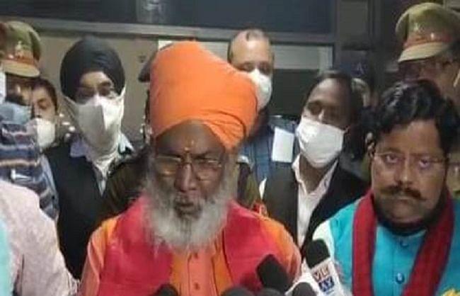 कानपुर : देश बांटने की राजनीति करती आई कांग्रेस - साक्षी महाराज
