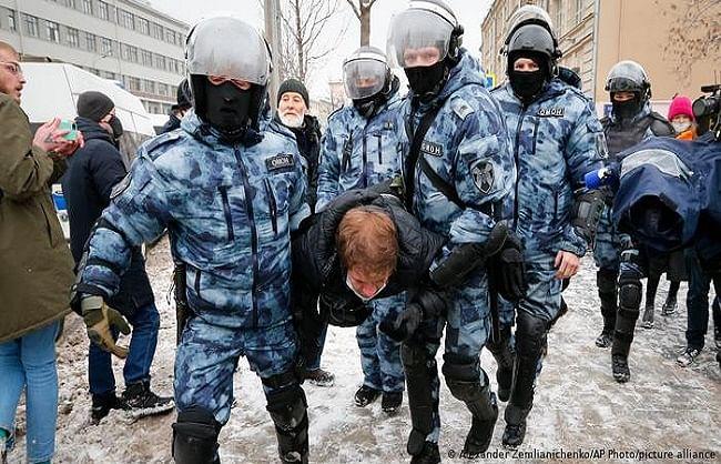 यूरोपीय संघ के प्रतिबंध की धमकी पर रूस ने कहा- नतीजे भुगतने को तैयार रहो