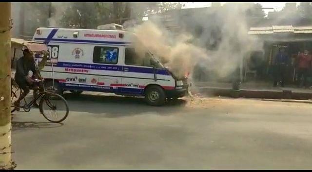 fire-in-mrityunjay-108-ambulance