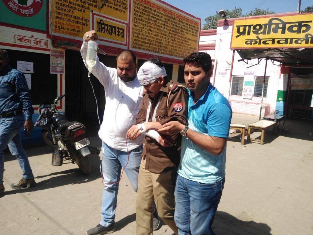 बिजनौर में पुलिस टीम पर हमला, दारोगा समेत दो पुलिस कर्मी घायल