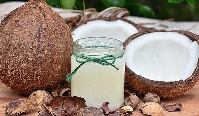 जानिए घर पर किस तरह बनाएं नारियल का तेल, मिलेंगे कई लाभ