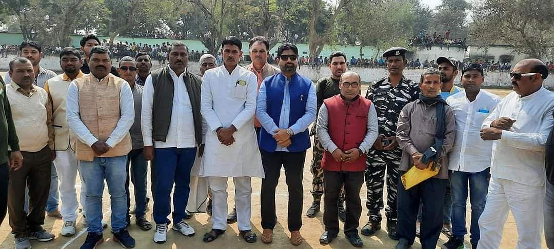 फुलवाम के शहीदों की याद में शोक सभा व क्रिकेट टूर्नामेंट