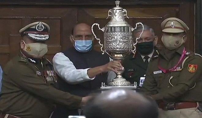 दिल्ली पुलिस ने जीता गणतंत्र दिवस पर बेस्ट मार्चिंग का अवार्ड, राजनाथ ने की तारीफ