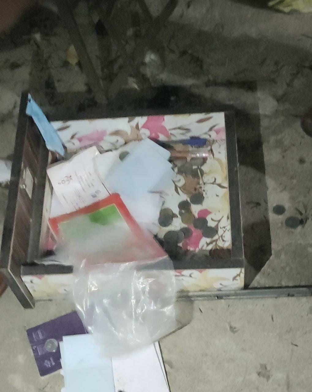 रायपुर : बेटी की शादी में व्यस्त कारोबारी के फर्नीचर शोरूम में चोरो ने उड़ाए नकदी व ज़ेवर