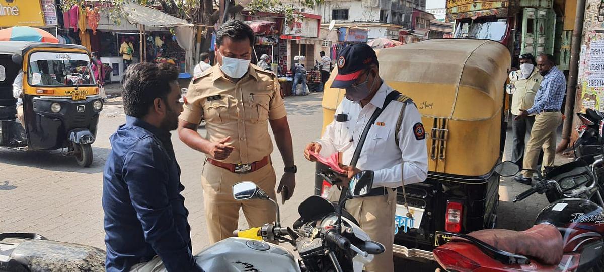 मास्क नहीं लगाने वालों के खिलाफ पुलिस की कार्रवाई