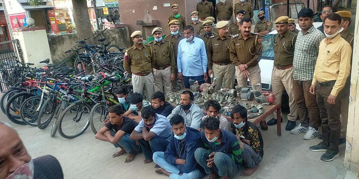 नकबजनी करने वाले गिरोह के दस बदमाश चोरी के माल सहित गिरफ्तार