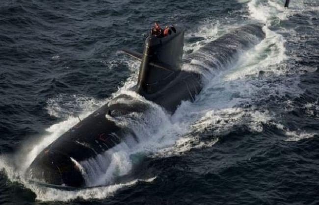 नौसेना को मिली स्कॉर्पीन पनडुब्बी आईएनएस करंज