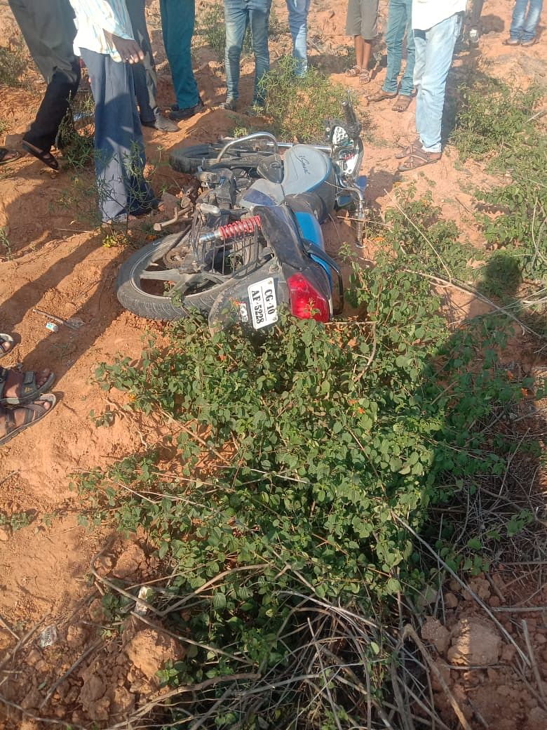 two-people-killed-one-seriously-injured-after-a-truck-collided-with-a-bike