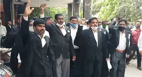 telangana-lawyers-protest-against-murder-of-advocate-couple-demand-for-judicial-inquiry-into-the-incident