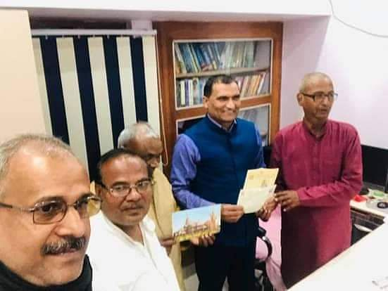 dr-anuj-gave-a-check-of-rs-11-lakh-11-thousand-111-for-the-construction-of-ram-temple