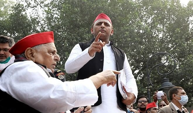 अखिलेश यादव ने योगी सरकार पर साधा निशाना, कहा- UP में विकास की बत्ती गुल, कानून-व्यवस्था में भ्रष्टाचार फुल