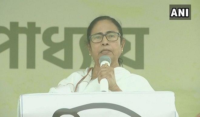ममता बनर्जी ने भाजपा को बताया दंगाबाज, बोलीं- मोदी बंगाल पर राज नहीं करेंगे