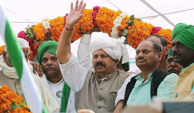 राजनाथ सिंह को मिले किसानों से बात करने की आजादी, तो हो जाएगा सम्मानजनक फैसला: टिकैत