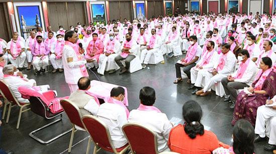 तेलंगाना में नेतृत्व परिवर्तन की अटकलों पर मुख्यमंत्री ने लगाया विराम