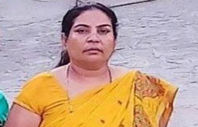 मथुरा: पूर्व सभासद मीरा ठाकुर को बदमाशों ने मारी गोली, हालत गंभीर
