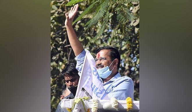 सूरत जीतने के  बाद केजरीवाल का कॉन्फिडेंस हाई, गुजरात में AAP को कितना मौका?