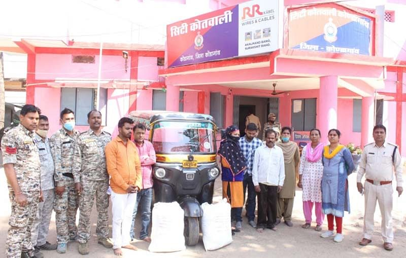 kondagaon-5-ganja-smugglers-arrested-while-transporting-ganja-by-auto-vehicle