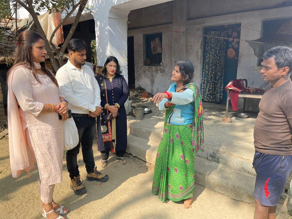 नवकुष्ठ आश्रम में रह रहे लोगों से मिले अंतर्राष्ट्रीय मानवाधिकार संरक्षण एण्ड एंटी करप्शन ब्यूरो इण्डिया के सदस्य