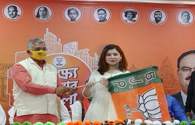 बंगाल : अभिनेत्री पायल सरकार ने भाजपा का झंडा थामा