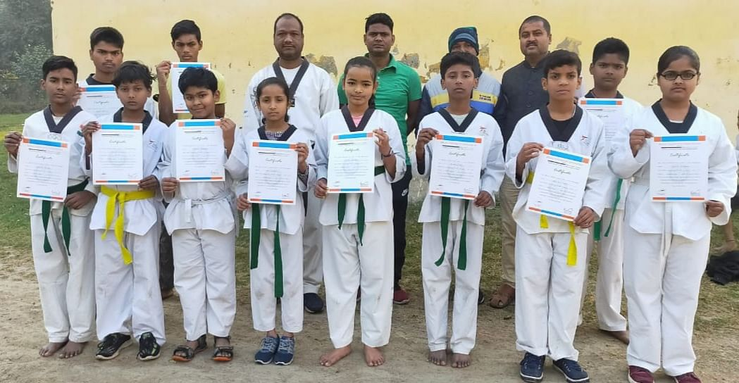 martial-arts-taekwondo-certificate-distribution-among-passed-players-in-tests