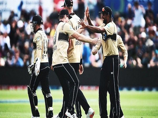 न्यूजीलैंड ने दूसरे टी-20 में ऑस्ट्रेलिया को चार रन से हराया