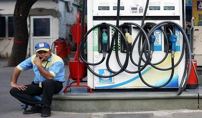 श्रीगंगानगर-में-रिकॉर्ड-स्तर-पर-पहुंची-पेट्रोल-की-कीमत-जानिए-यहां-पर-क्यों-महंगा-मिलता-है-तेल